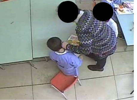 Schiaffi ai bambini di una scuola materna, sospese due maestre